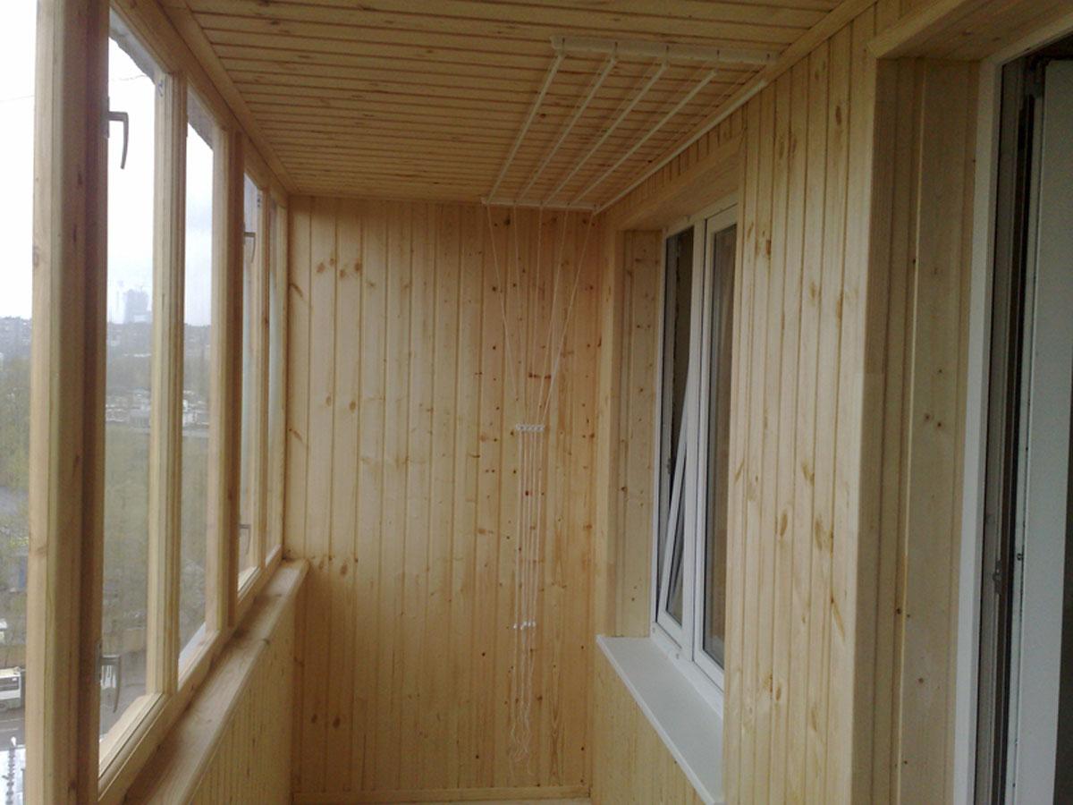 Отделка балконов внутри фото вагонкой деревянной..