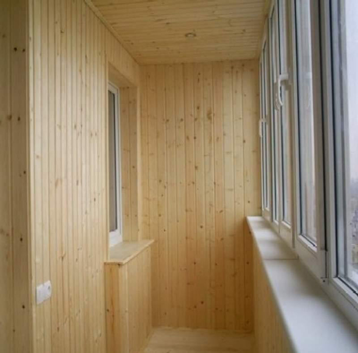 Как отделать балкон самому красиво: видео-инструкция по монт.